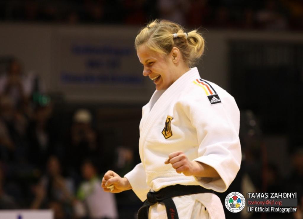 Mongolia knocks on the door of international judo