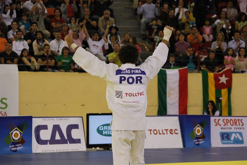 Joao Pina continues European success for home crowd