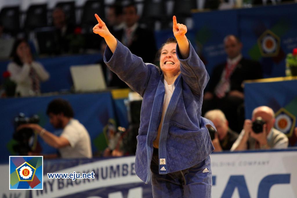 Romanian women dominant at European Cup in Hamburg