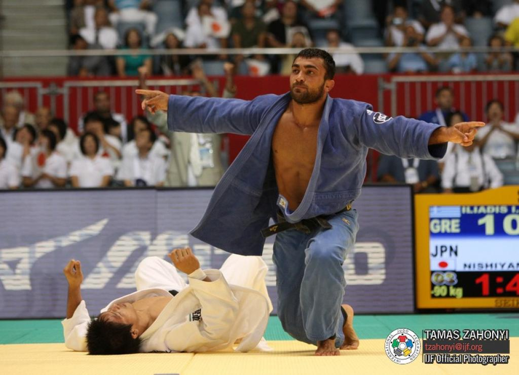Two European World titles at day 2