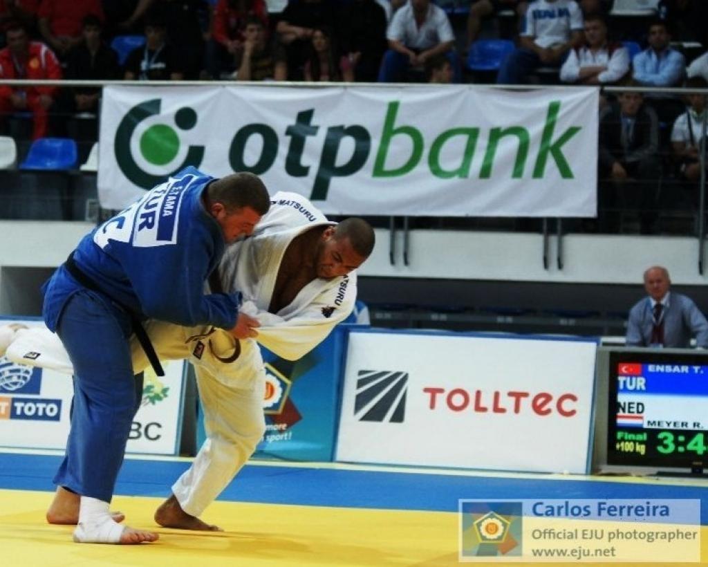 Dutch heavyweights take European titles at last day
