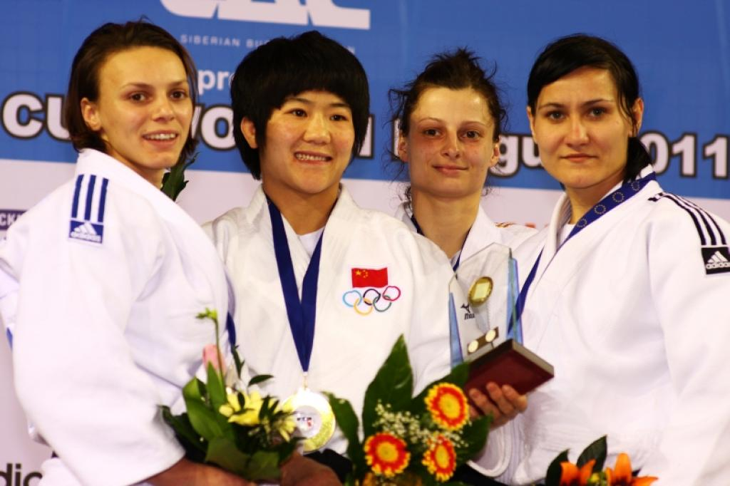 China and France lead the medal dance in Prague