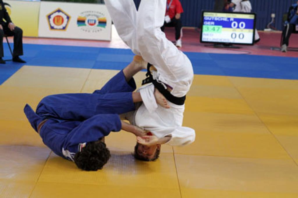 Japanese young women and Russian rookies take cadet gold in Berlin