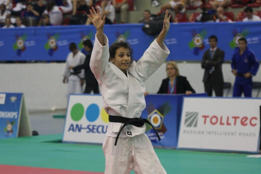 Eleven countries win medals in women's events