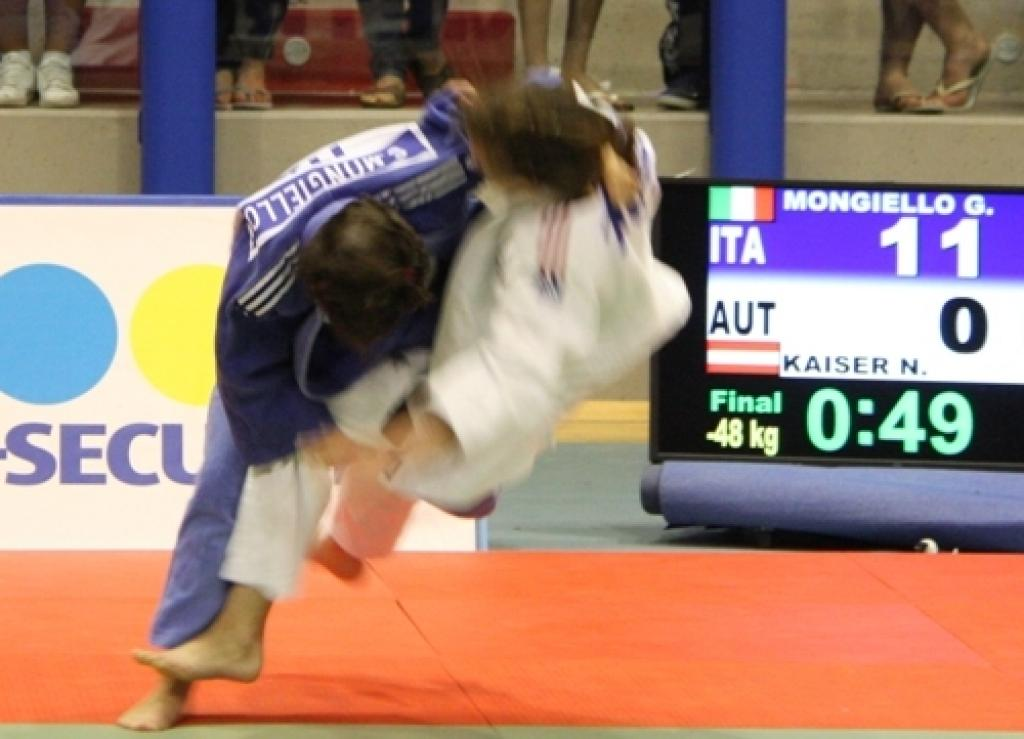 Eight different winners at first day of European Cup in Paks