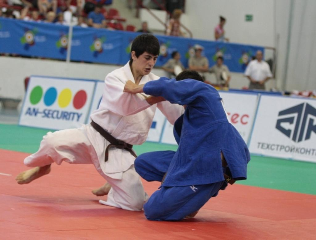 Mikhail Igolnikov takes second gold for Russia