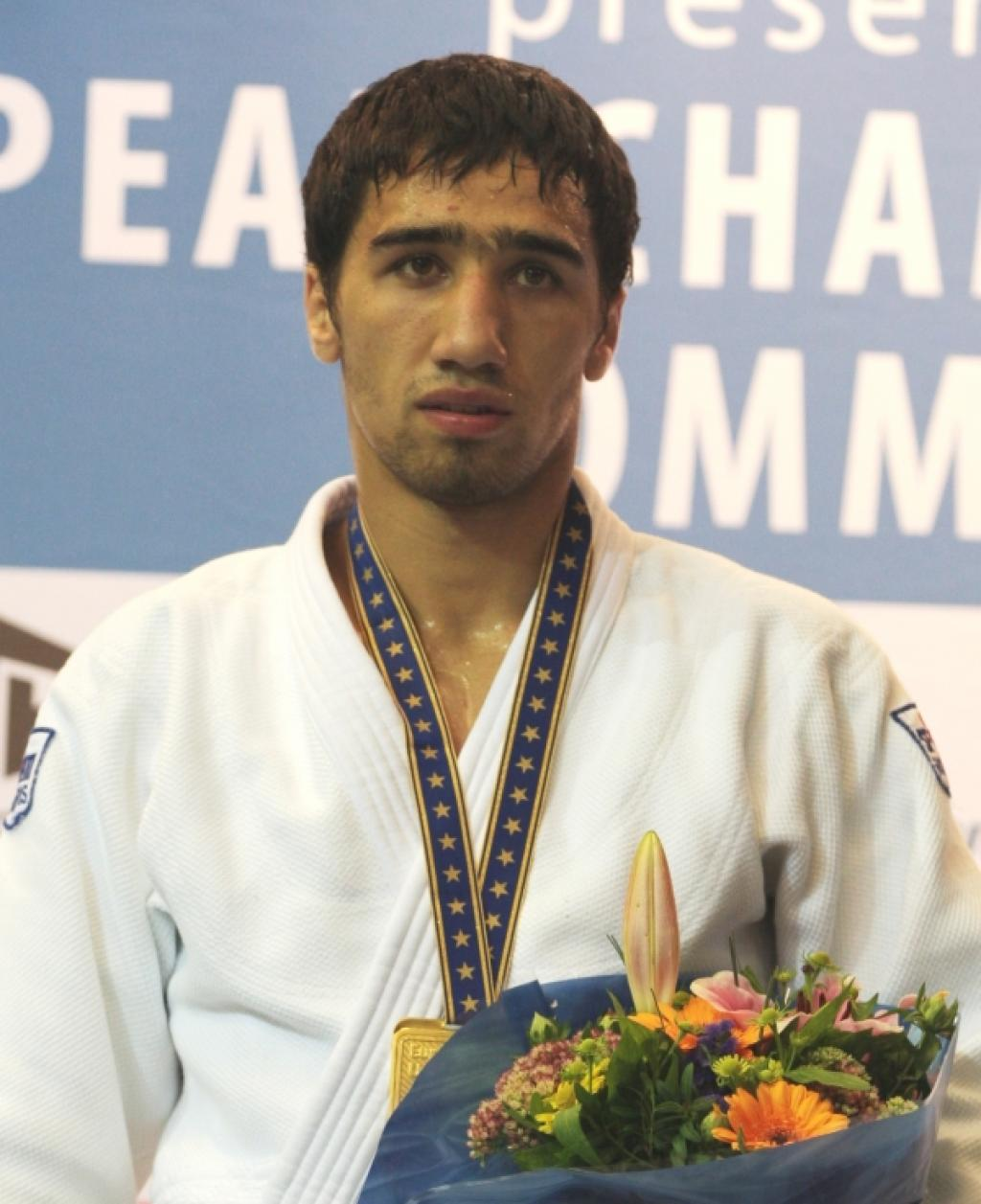 Khalmurzaev defeats Muensterberg and Toth to take the gold for Russia
