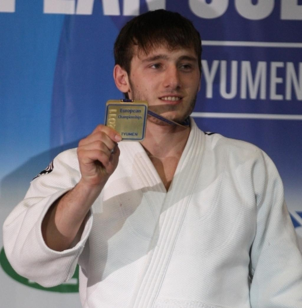 Zelimkhan Ozdoev takes European title in 13 seconds