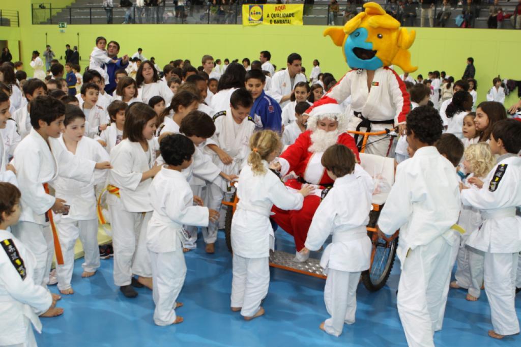 Nuno Delgado unites children and judo