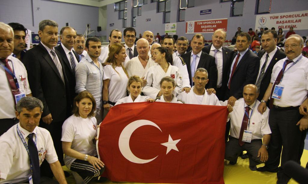 Namik Ekin breaks world record !