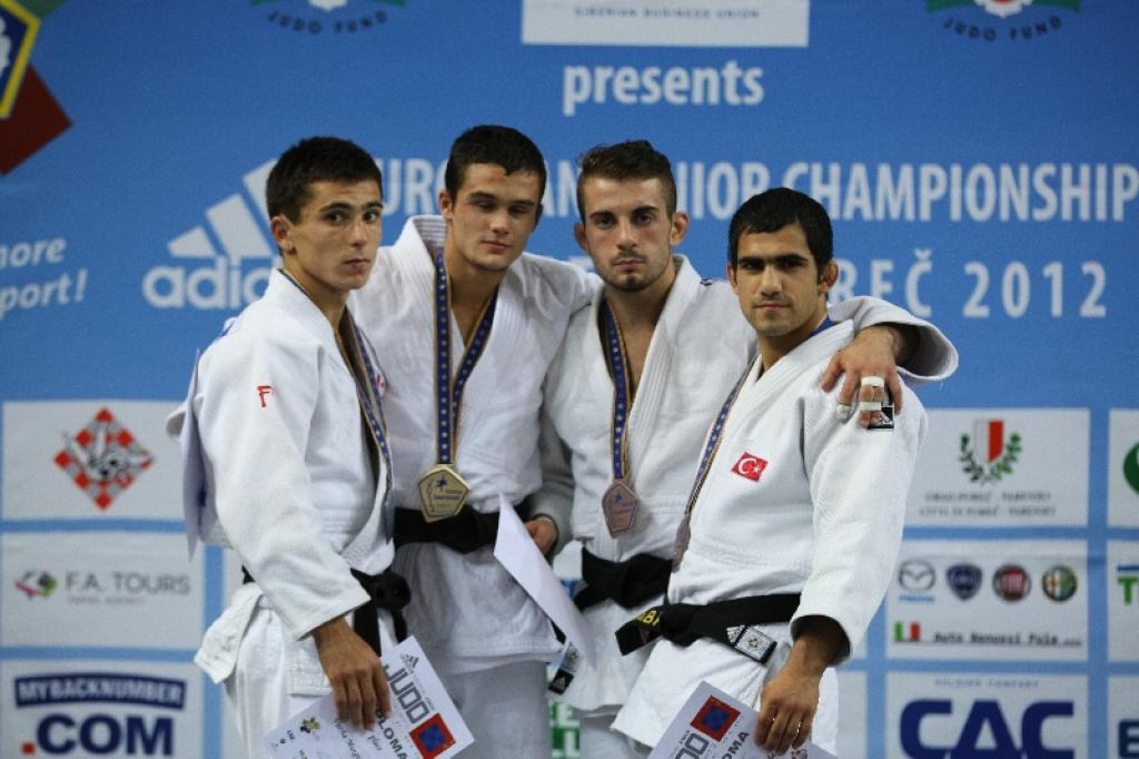 Russian Zaur Kalashaov dominates men U60kg