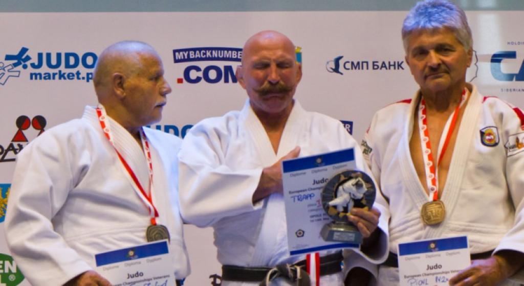Participate in the European Veteran Championships in Paris