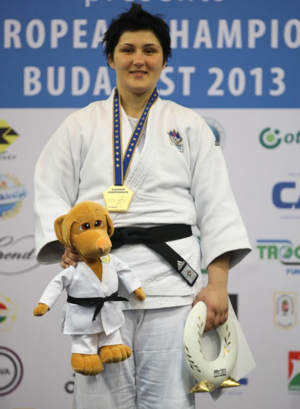 Lucija Polavder offers Slovenia second gold medal