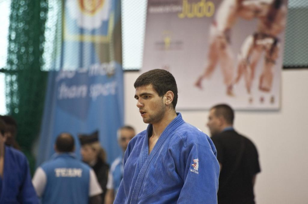 Italian young men let it rain medals in Portugal