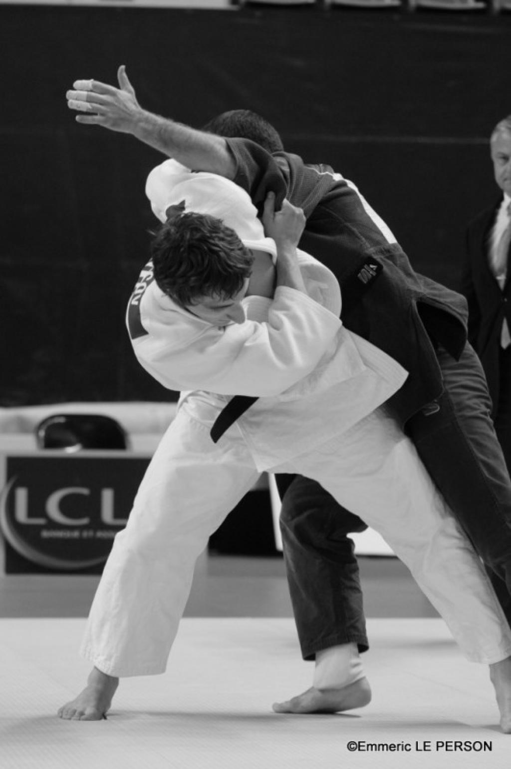 Russian men and French women take gold in Lyon
