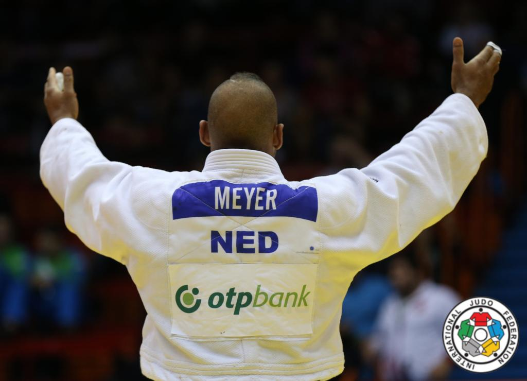 ROY MEYER CLIMBING HEAVWEIGHT LADDER WITH GOLD MEDAL AT ZAGREB GRAND PRIX