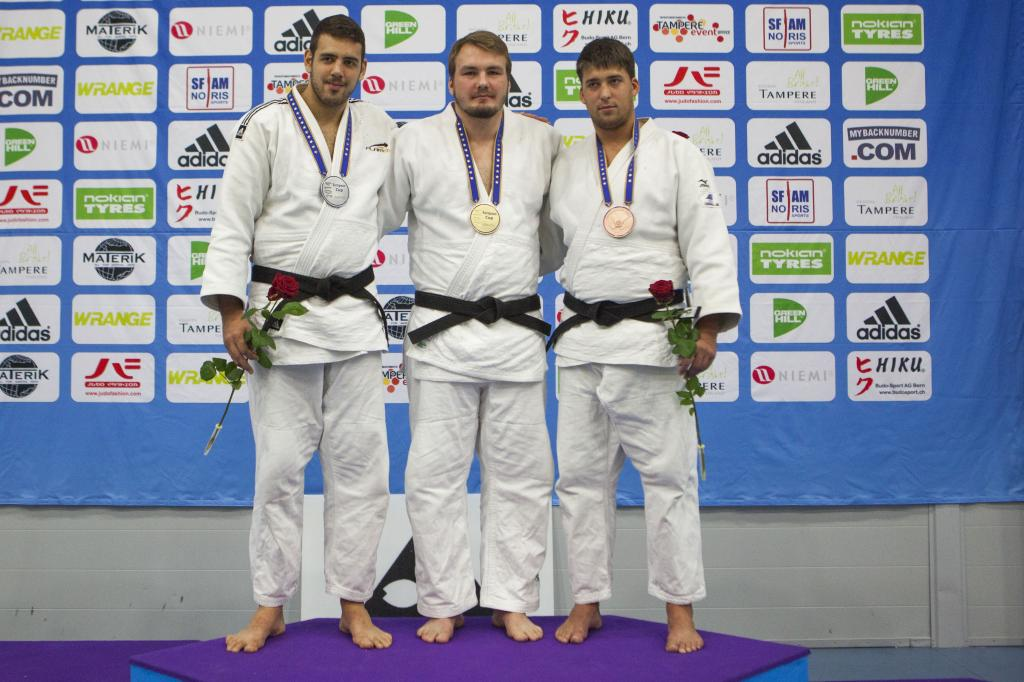 JUHAN METTIS DOMINATES THE MEN HEAVYWEIGHT IN TAMPERE