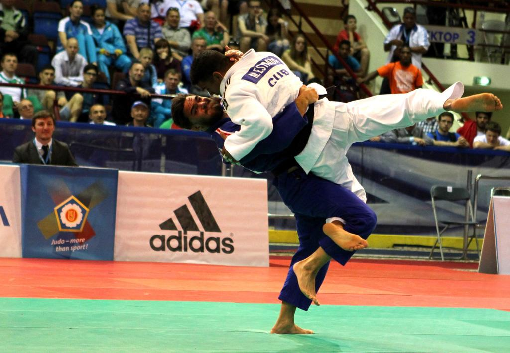 CHAINE LEARNING FAST AS HE CORRECTS MISTAKES FROM LAST EJOPEN