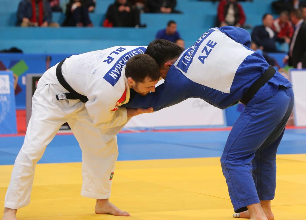 NO EASY ROUTE IN SOFIA FOR YOUNG HOPEFULS