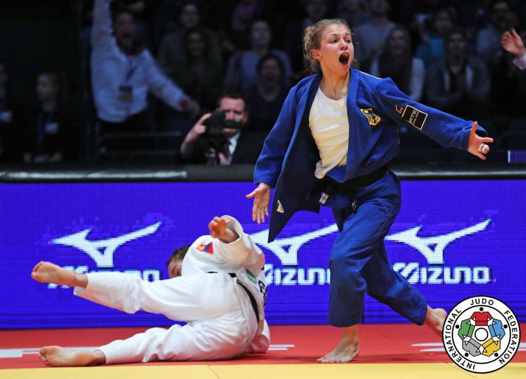 HOME FANS GET HOME WIN ON OPENING DAY OF DUSSELDORF GRAND PRIX