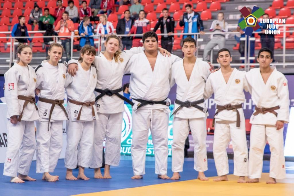 YOUNG RUSSIANS STEP UP TO TAKE CADET WORLD TEAM CROWN