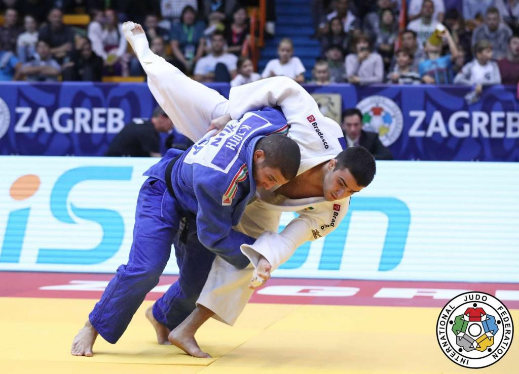 TOTH KEEPS THINGS SIMPLE AS HE CRUISES TO THIRD ZAGREB TITLE