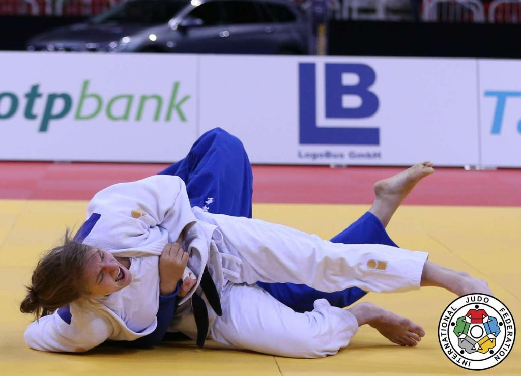 LESKI SIGNALS ARRIVAL WITH FIRST EVER GRAND SLAM GOLD