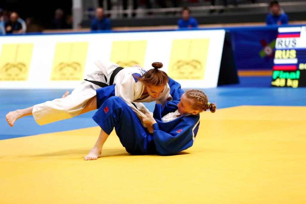 RUSSIAN JUNIORS DOMINATING ON HOME TURF