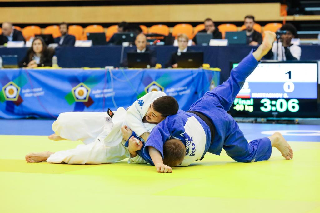 ITALIANS DOMINATE THE FIRST DAY IN COIMBRA