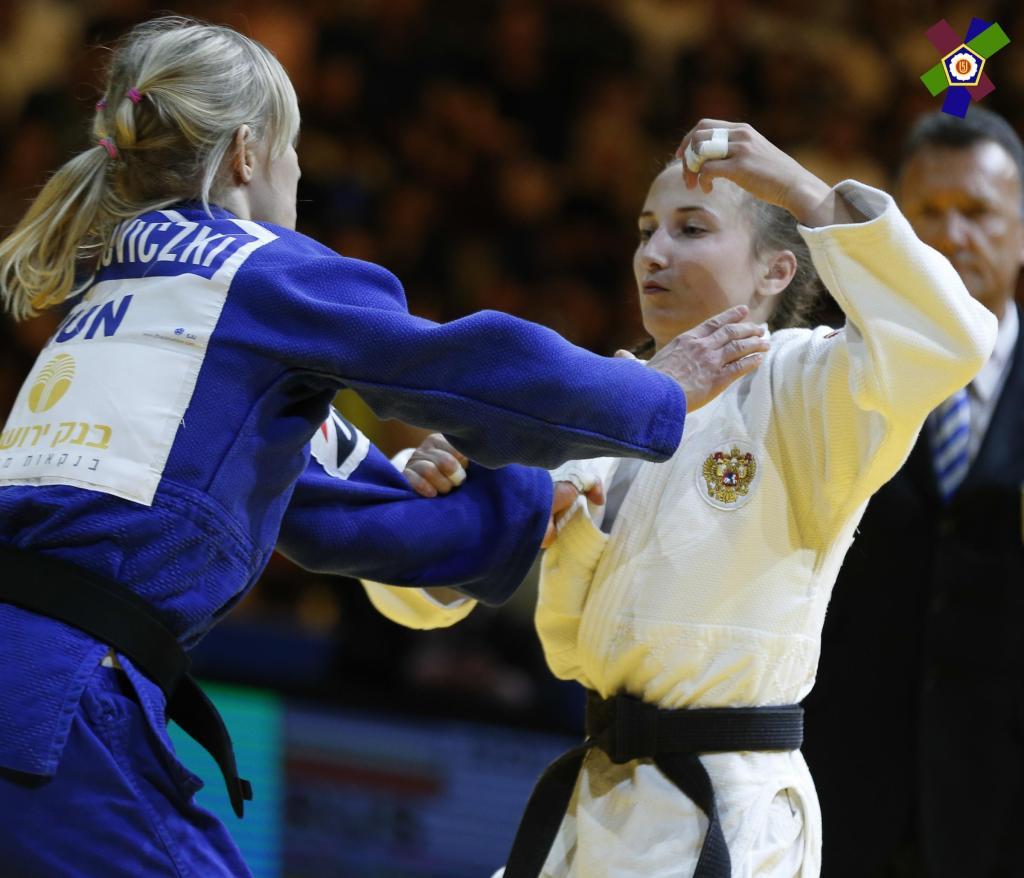 RUSSIAN DOLGOVA RETURNS TO RETAIN EUROPEAN TITLE