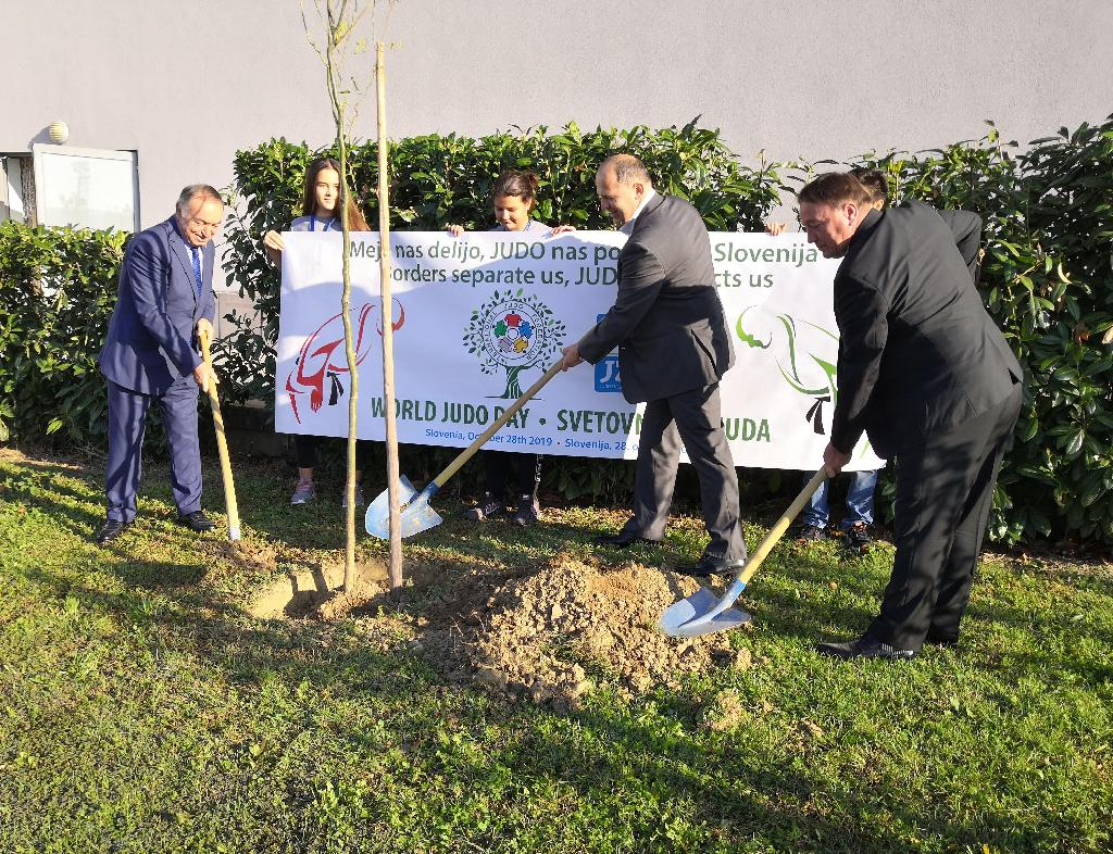WORLD JUDO DAY - 'PLANT A TREE'