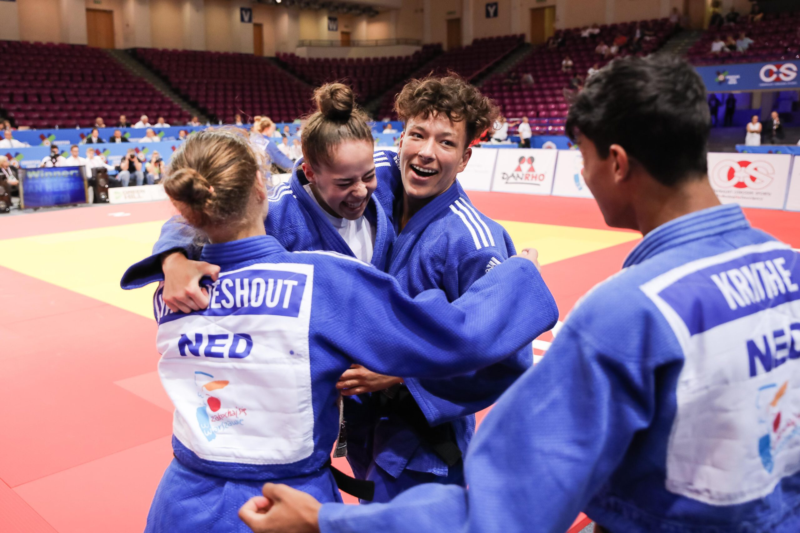 RETURN TO COMPETITION FOR CADETS AND JUNIORS FOLLOWING SENIOR WORLD CHAMPIONSHIPS