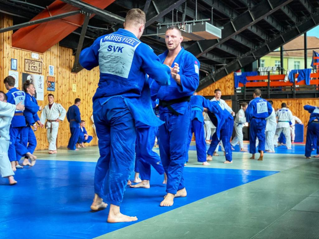 TRAINING CAMP IN PRAGUE BRINGS CZECH AND SLOVAK ATHLETES TOGETHER