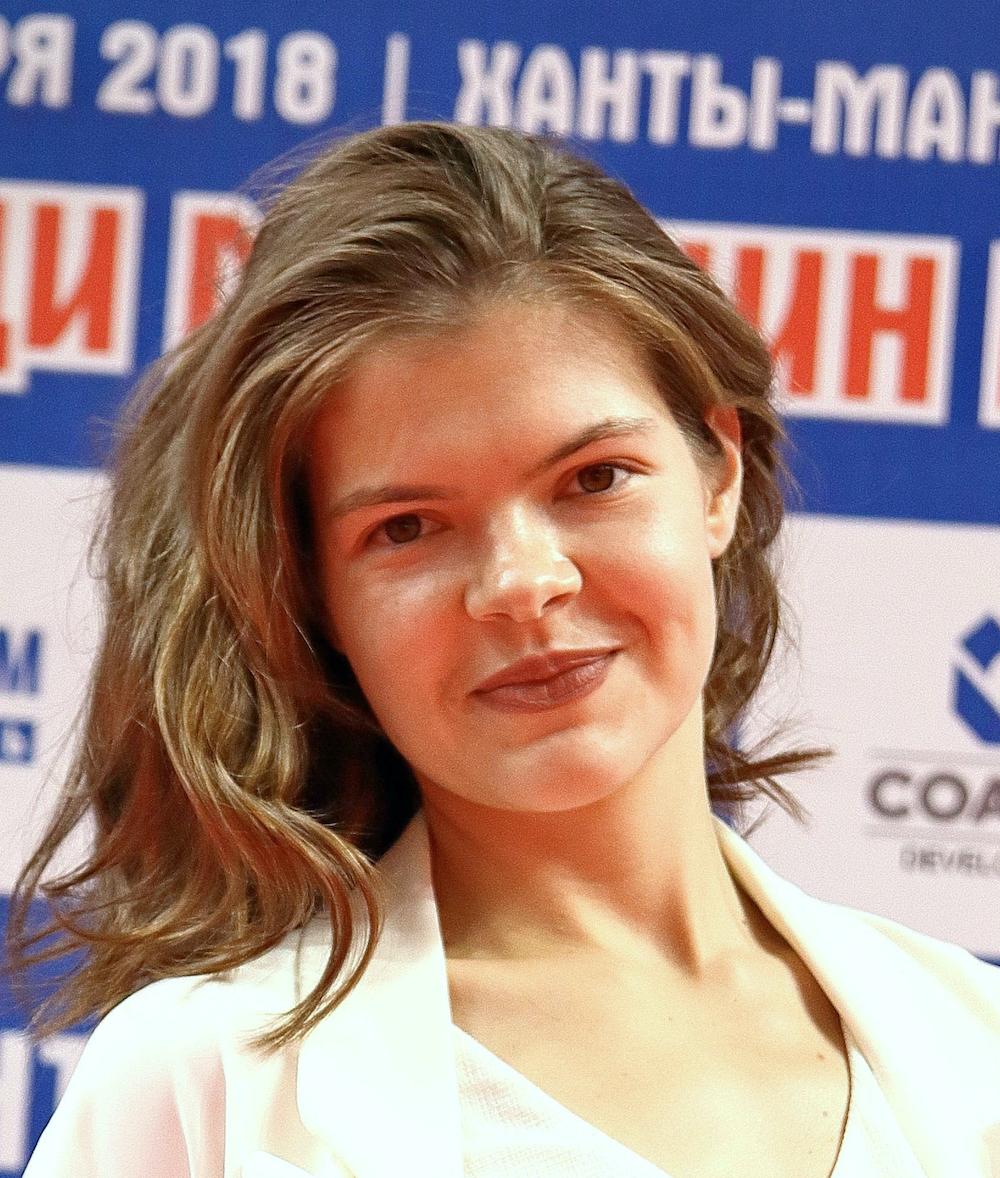Ms. Anna Lobova