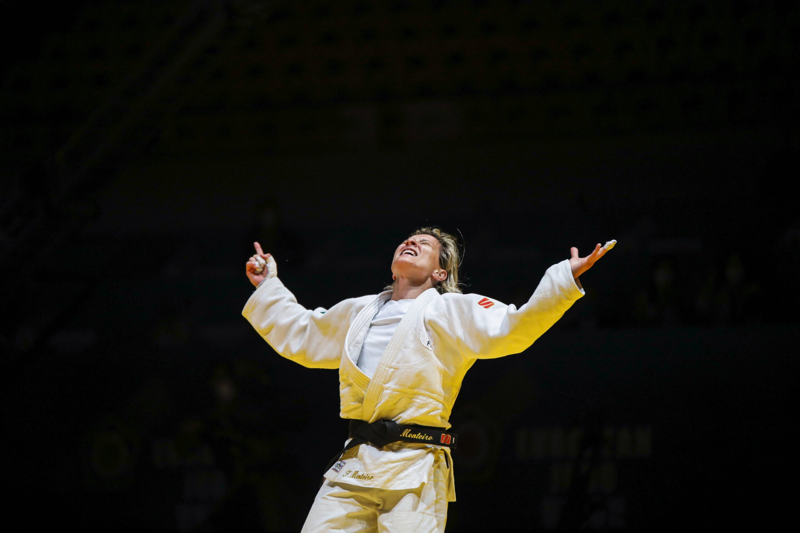 MONTEIRO COLLECTS SIXTH EUROPEAN TITLE IN STYLE